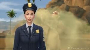 Полицейский патрулирует улицу в Симс 4