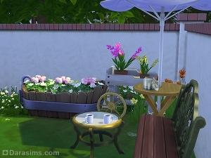 цветочная клумба в саду