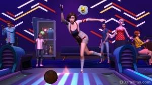 Игра в боулинг в «The Sims 4 Вечер боулинга»