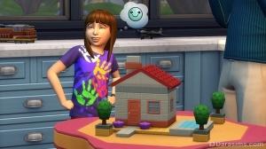 Сименок играет в кубики в The Sims 4 Родители