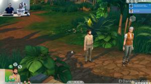 ползущая змея в джунглях
