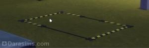 Низкий забор-разделитель в виде оградительной ленты