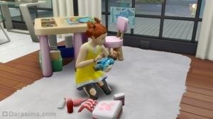 ребенок играет в доктора