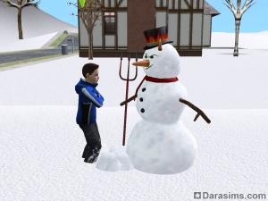 Задиристый персонаж слепил снеговика с рогами