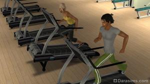 Студент в спортзале в студенческом городке
