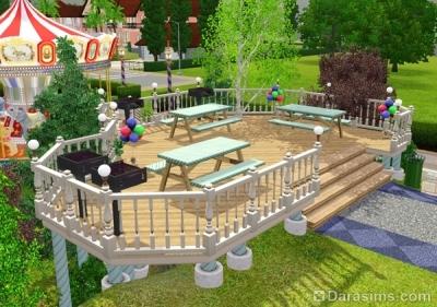 Терраса с парковыми столами и грилями